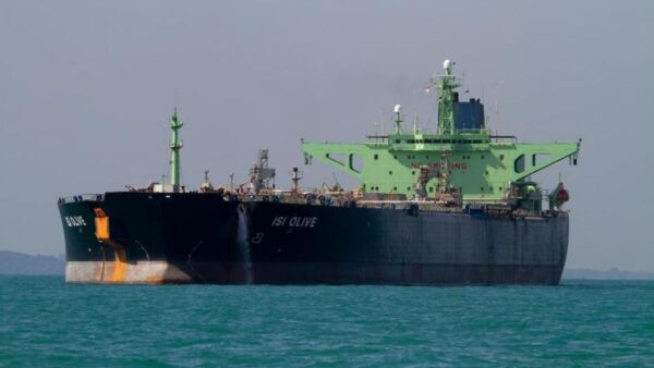 دریافت پول ۵ محموله بنزین صادراتی به ونزوئلا