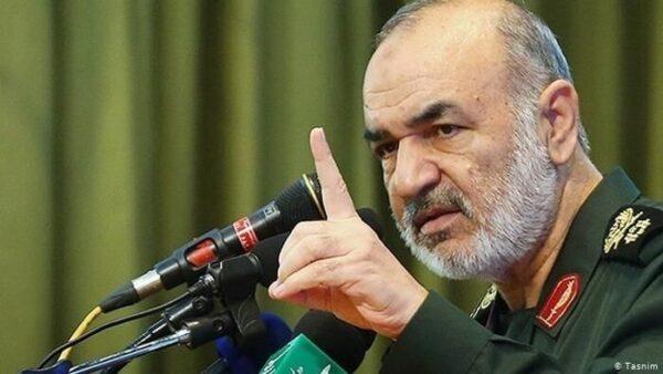 سردار سلامی: آماده گرفتن انتقام خون شهید سلیمانی هستیم/ تحرکات اخیر آمریکا برای نجات از کابوس خطرناک است