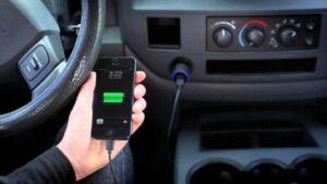شارژ کردن گوشی در ماشین را فراموش کنید!