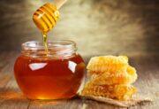 ۳ درمان خانگی با عسل